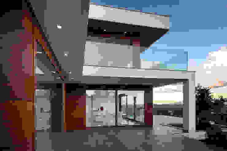 Elle Maison Balcone, Veranda & Terrazza in stile moderno di Damilano Studio Architects Moderno