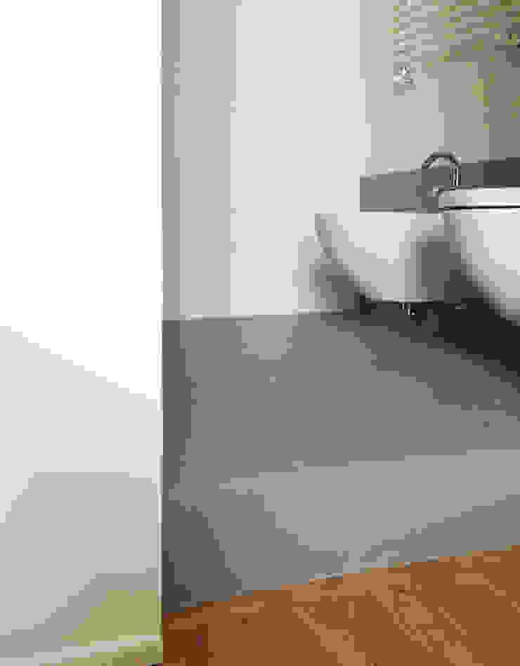Atelier delle Verdure Modern bathroom Wood Grey