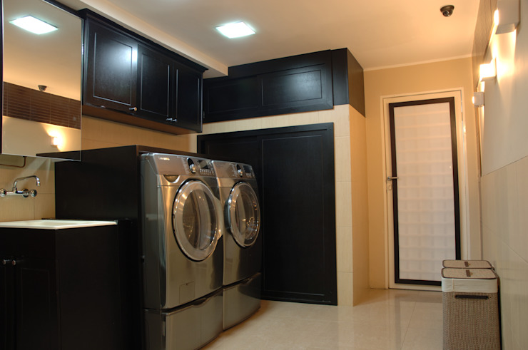 Area de lavanderia Dormitorios modernos: Ideas, imágenes y decoración de Arq Renny Molina Moderno