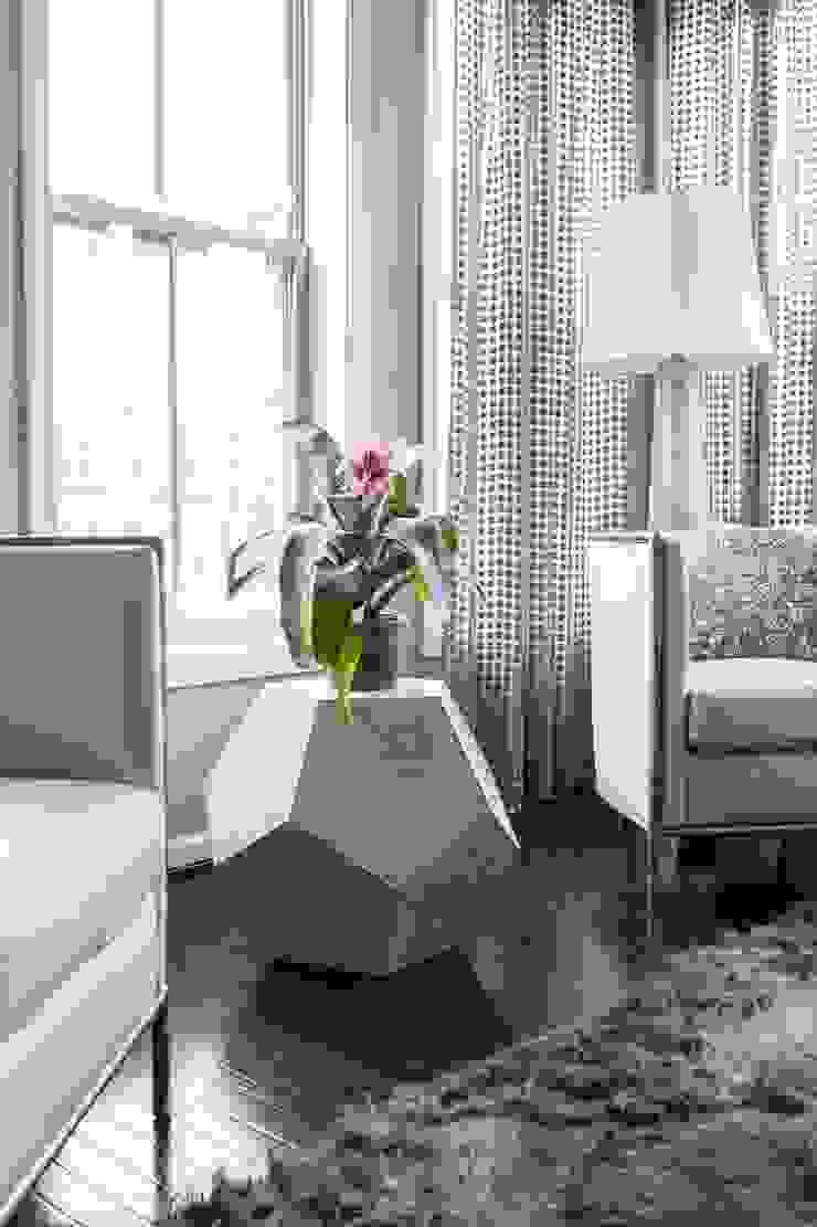 Viva Vogue - Detail Lorna Gross Interior Design Modern living room