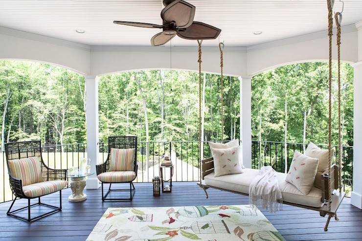 Riverside Retreat - Sun Porch:  Patios & Decks by Lorna Gross Interior Design