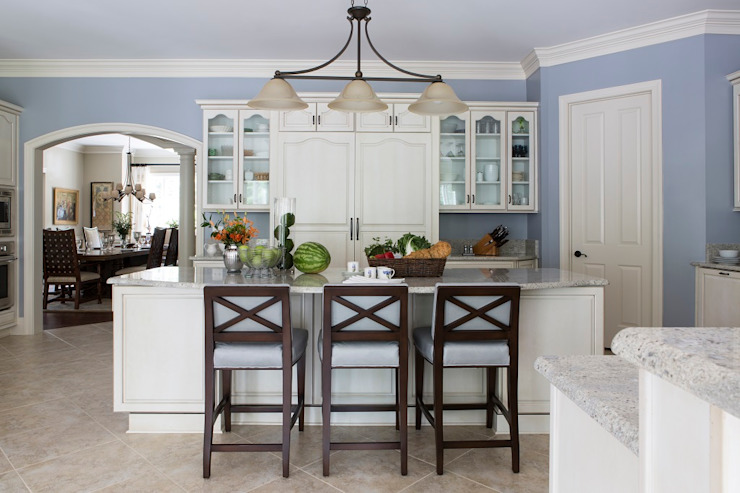 Riverside Retreat - Kitchen Classic style kitchen by Lorna Gross Interior Design Classic