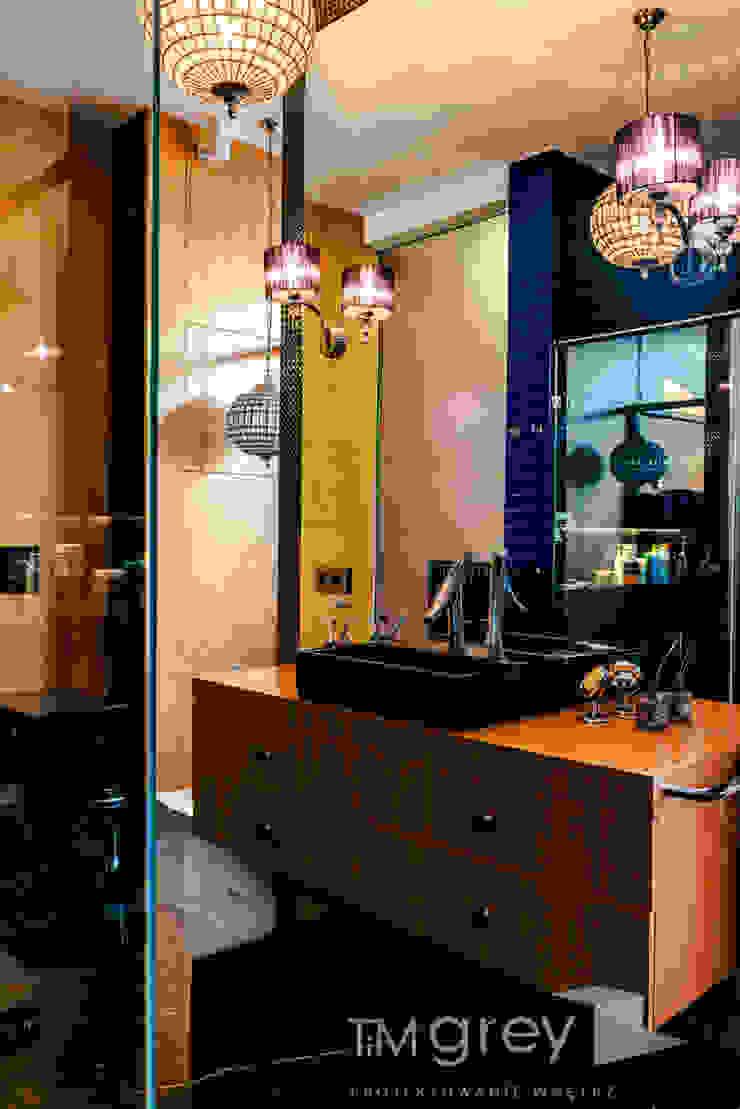 TiM Grey Interior Design Eclectic style bathroom
