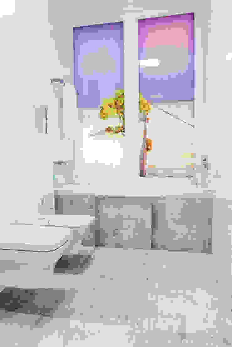 TiM Grey Interior Design Modern bathroom