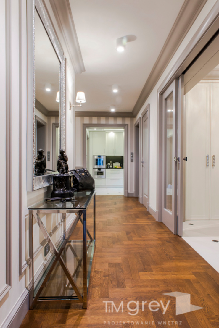 TiM Grey Interior Design Classic style corridor, hallway and stairs