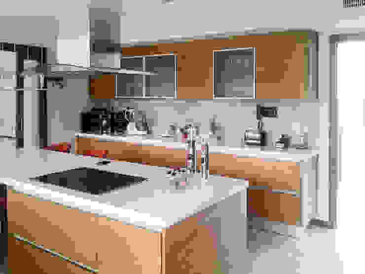 Casa en Rumencó Cocinas modernas: Ideas, imágenes y decoración de id:arq Moderno