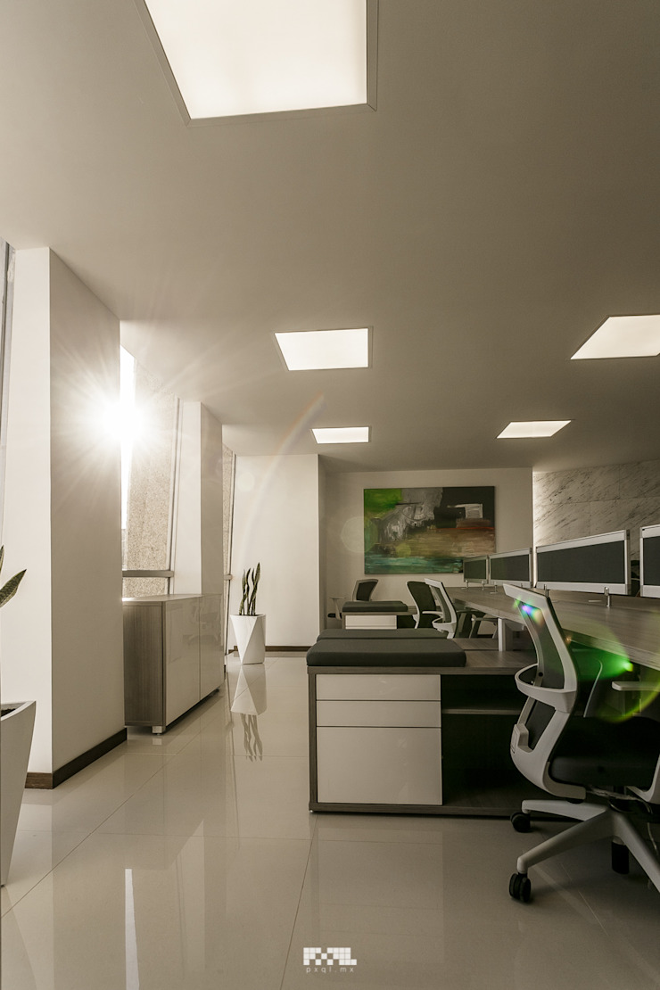 Modern Study Room and Home Office by 2M Arquitectura Modern