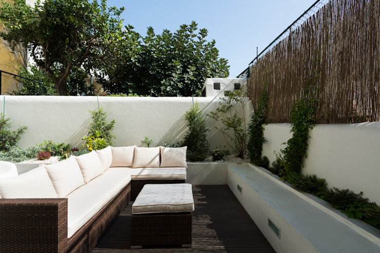 Jardines modernos de Atelier da Calçada Moderno