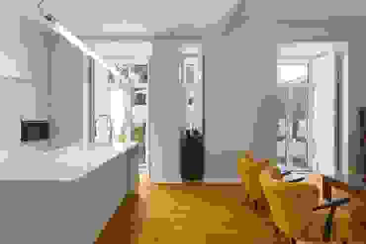 Atelier da Calçada Modern Dining Room