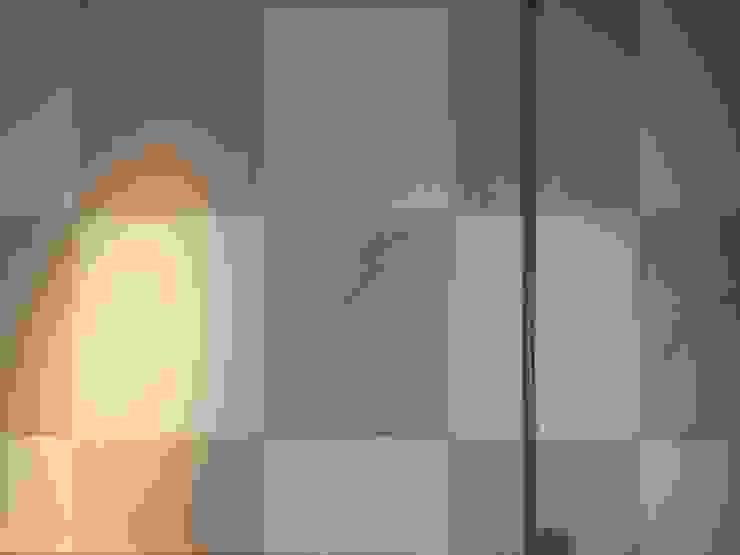 Eclectic walls & floors by 株式会社KIMURA bi-Art Eclectic Wood-Plastic Composite