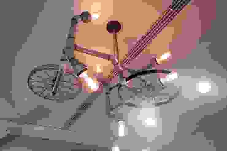 【空間中需充滿具有「機械」符號的元件及金屬感】 根據 衍相室內裝修設計有限公司 工業風