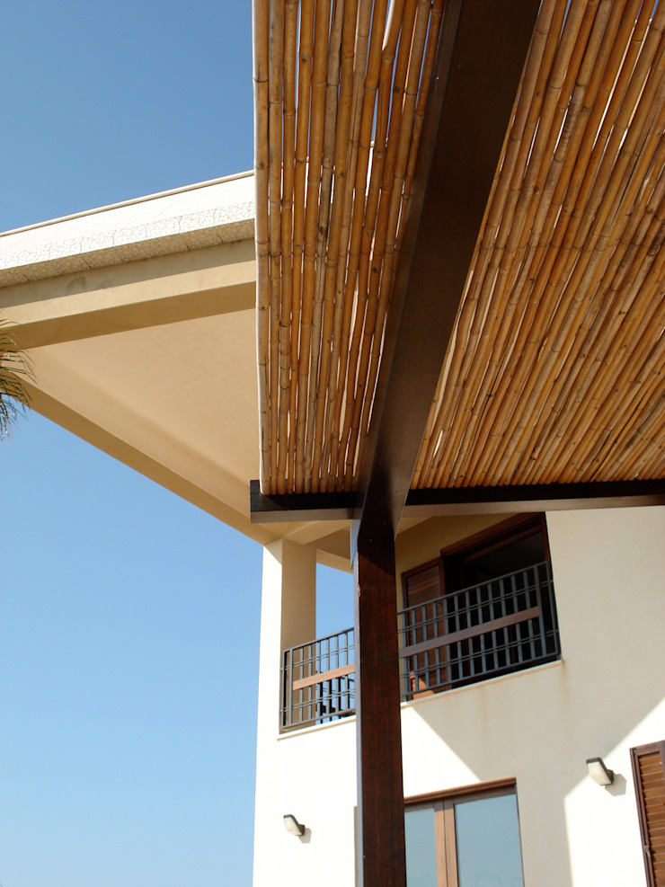 overkapping op het terras van MEF Architect Mediterraan Bamboe Groen