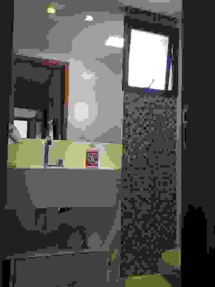 Modern bathroom by Alvaro Camiña Arquitetura e Urbanismo Modern
