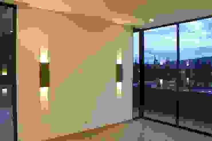 INTERIOR: Habitaciones de estilo  por IngeniARQ,