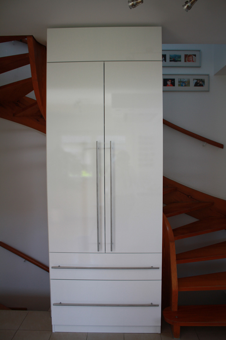 schrankwerk.de Corridor, hallway & stairs Drawers & shelves White