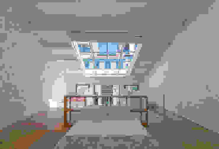 Kamar Tidur oleh a*l - alexandre loureiro arquitectos, Minimalis