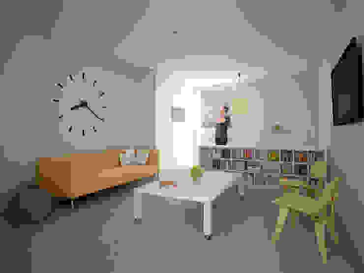 Departamento tipo Estudio Salones minimalistas de HMJ Arquitectura Minimalista