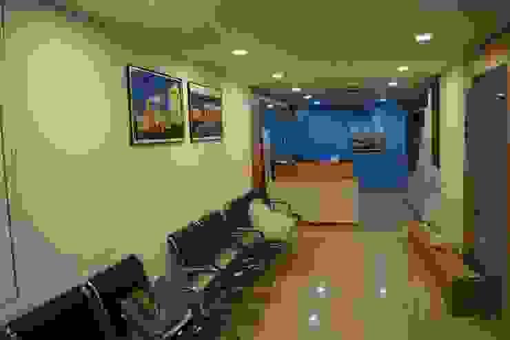 SHAPPORJI PALLONJI Modern office buildings by Hightieds Modern