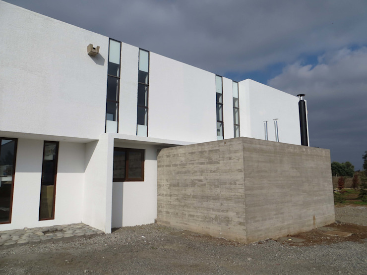 Modern houses by Moreno Wellmann Arquitectos Modern