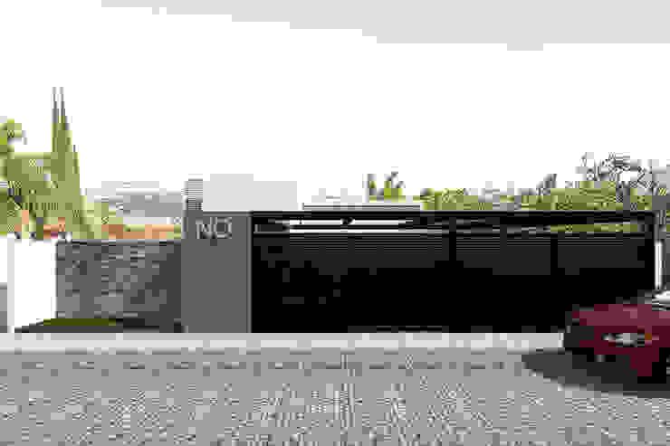Fachada - Vista de la calle Casas modernas de Bloque Arquitectónico Moderno