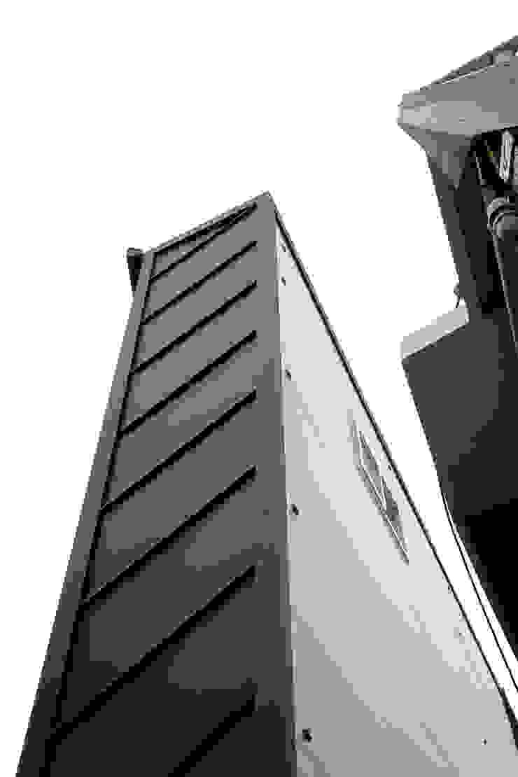 """interior & architecture by INARK 인아크 건축 설계 인테리어 디자인 대구 대명동 """"꼬꼬마하우스"""" 모던스타일 주택 by inark [인아크 건축 설계 디자인] 모던"""