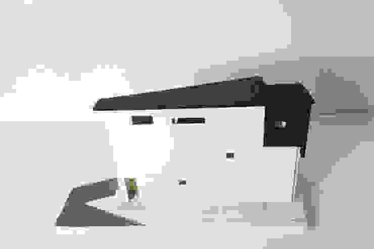 """interior & architecture  by INARK   인아크 건축 설계 인테리어 디자인 대구 대명동 """"꼬꼬마하우스"""": inark [인아크 건축 설계 디자인]의 현대 ,모던"""