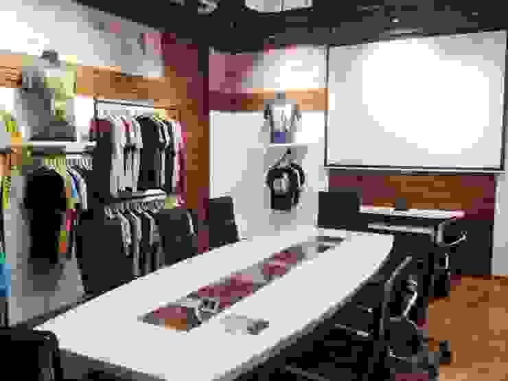 Sales Studio cum conference by Core Design Rustic