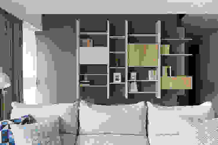 K-HOUSE:  書房/辦公室 by 思維空間設計  , 簡約風