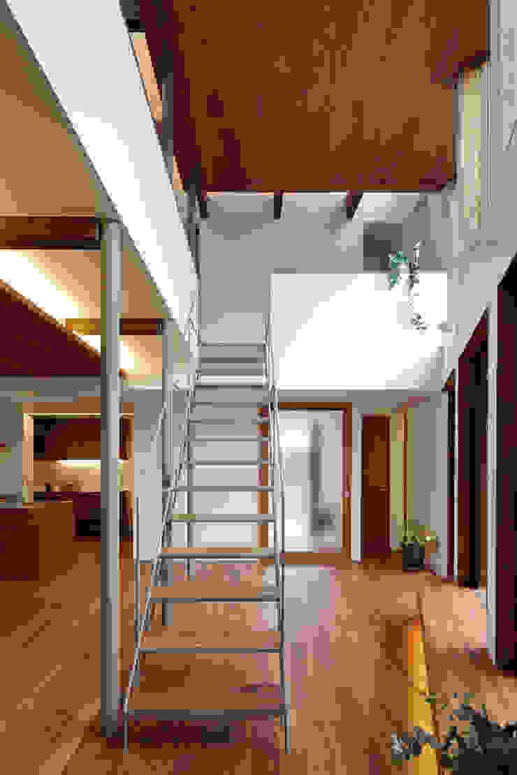 アトリエ スピノザ Ruang Keluarga Gaya Skandinavia Kayu Wood effect
