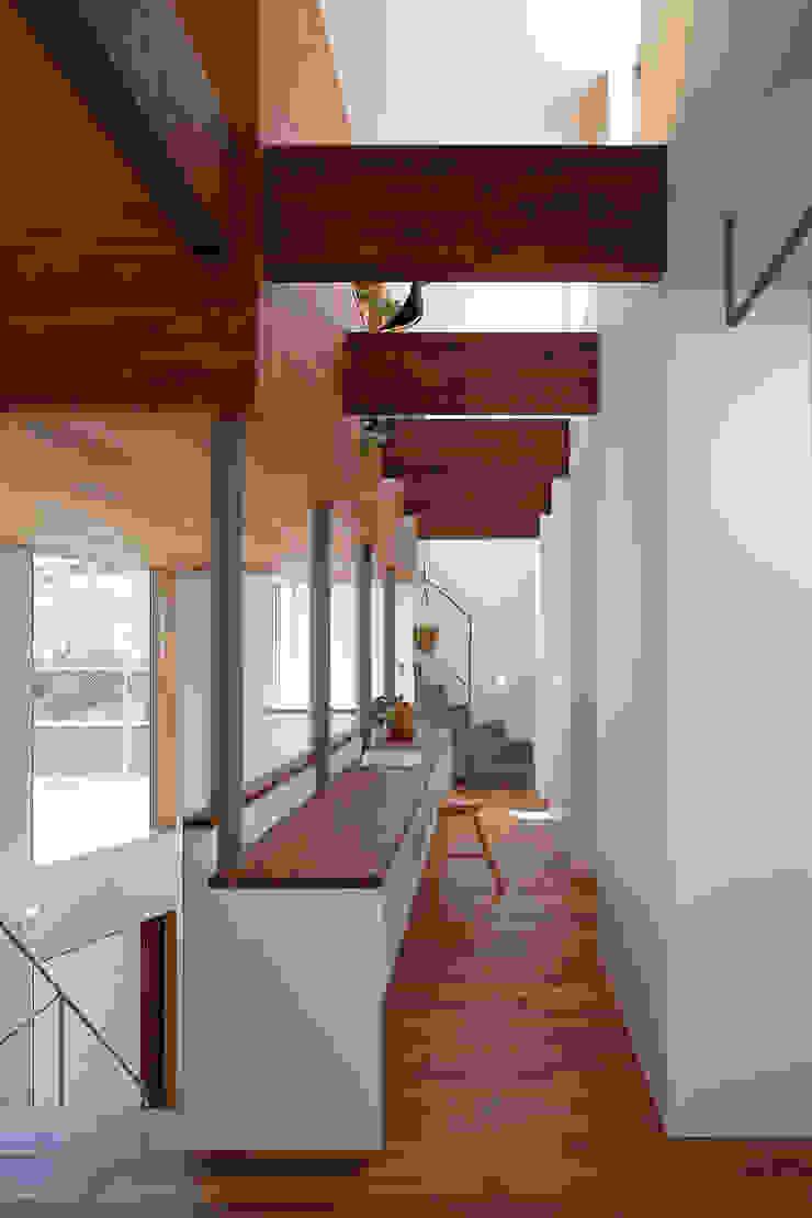 アトリエ スピノザ Oficinas de estilo moderno Madera Blanco