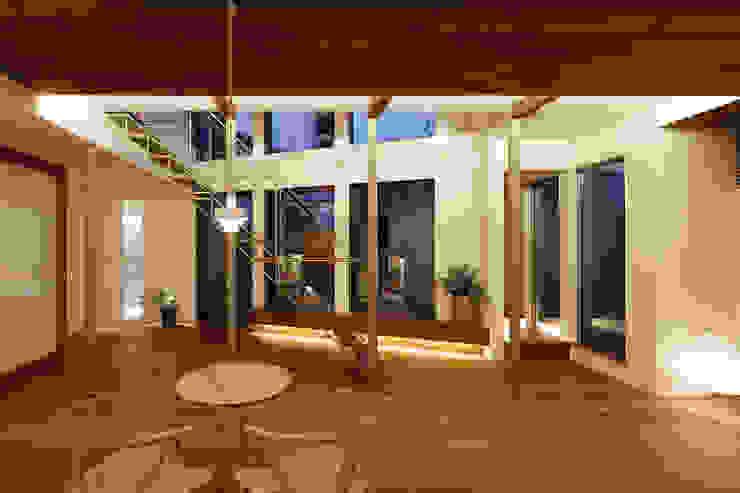 アトリエ スピノザ Ruang Makan Gaya Skandinavia Kayu Wood effect