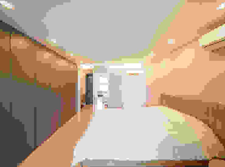 Modern Bedroom by homify Modern
