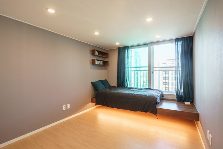 Modern Bedroom by ARA Modern