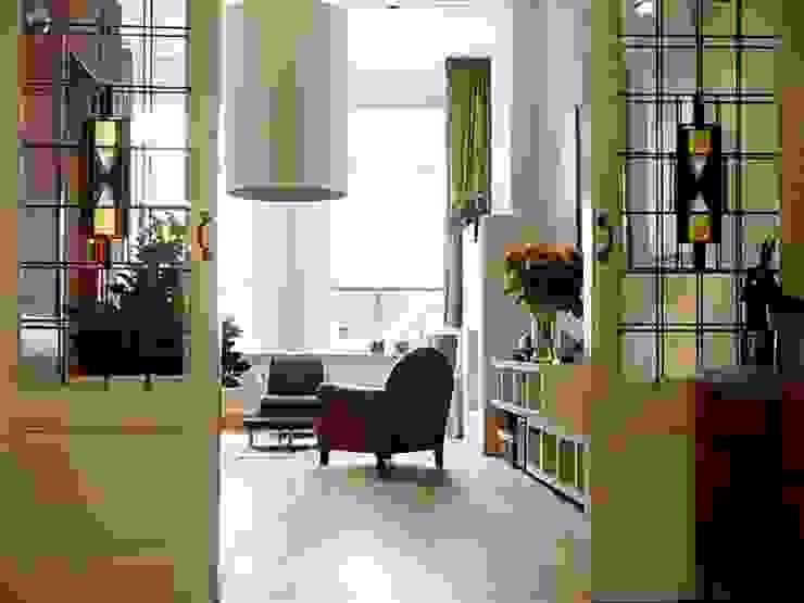 Salas de estilo moderno de Ien Interieurontwerp Advies Projectbegeleiding Moderno Madera Acabado en madera