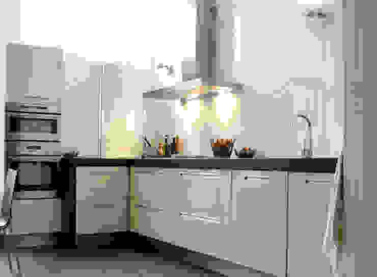 Moderne Italiaanse keuken met hardstenen blad. Moderne keukens van Ien Interieurontwerp Advies Projectbegeleiding Modern Steen