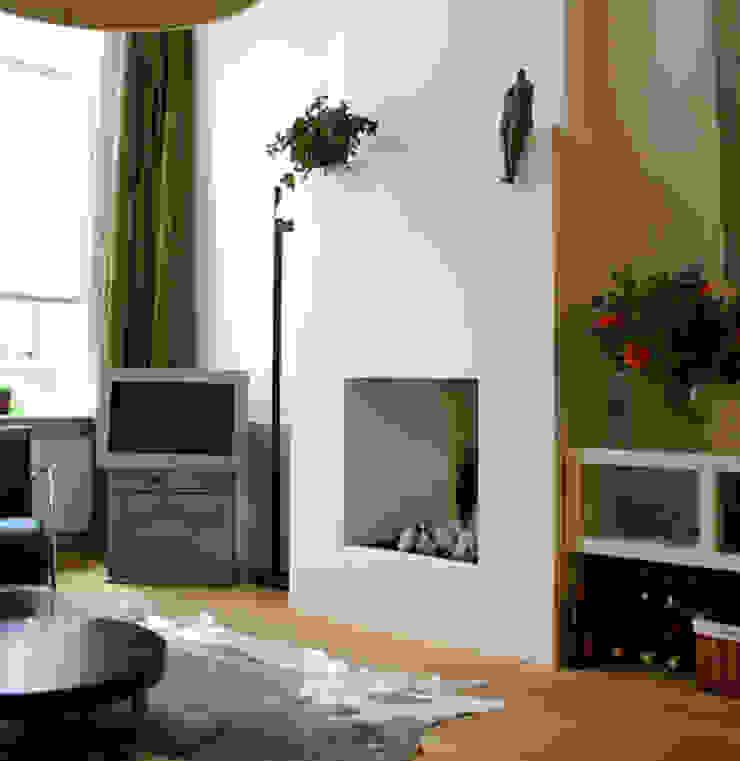 Moderne gashaard als sfeermaker. Moderne woonkamers van Ien Interieurontwerp Advies Projectbegeleiding Modern