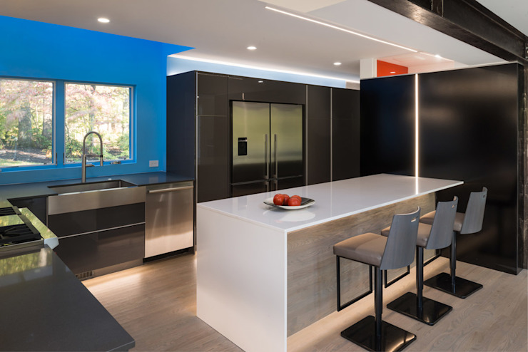 Cache House Modern Kitchen by KUBE Architecture Modern