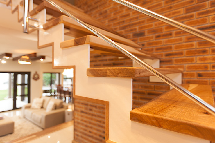 House Naidoo Modern Corridor, Hallway and Staircase by Redesign Interiors Modern
