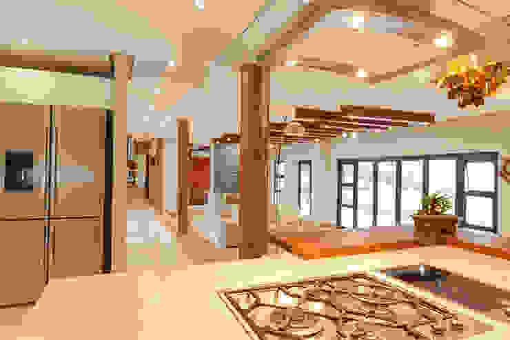 House Naidoo Modern kitchen by Redesign Interiors Modern