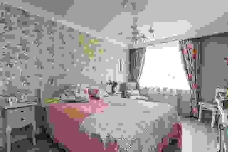 ห้องนอน โดย Belimov-Gushchin Andrey, คันทรี่