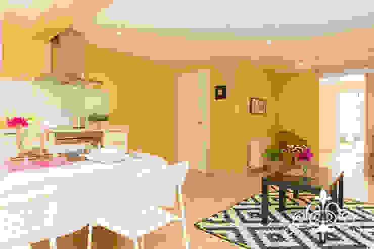 Salas de estar modernas por Espai Interior Home Staging Moderno