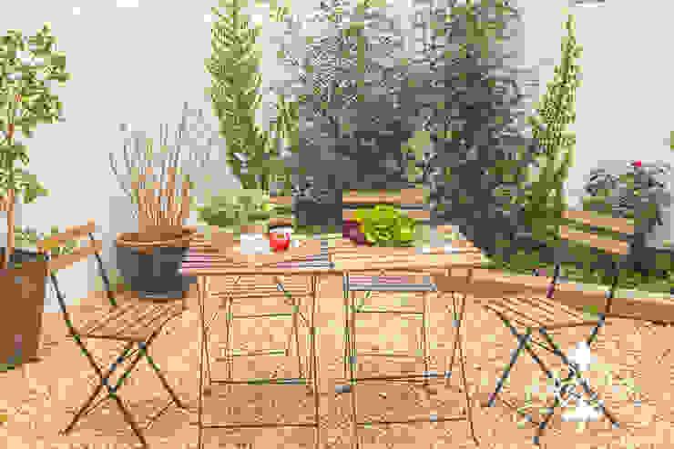 Jardins mediterrâneos por Espai Interior Home Staging Mediterrâneo