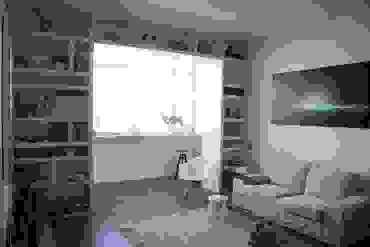 غرفة المعيشة تنفيذ Polistudio A.E.S., تبسيطي
