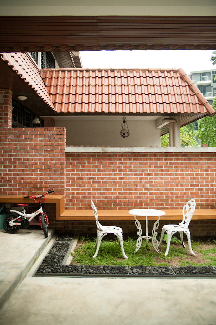 Terrace House at Robin Road Asian style garden by Quen Architects Asian