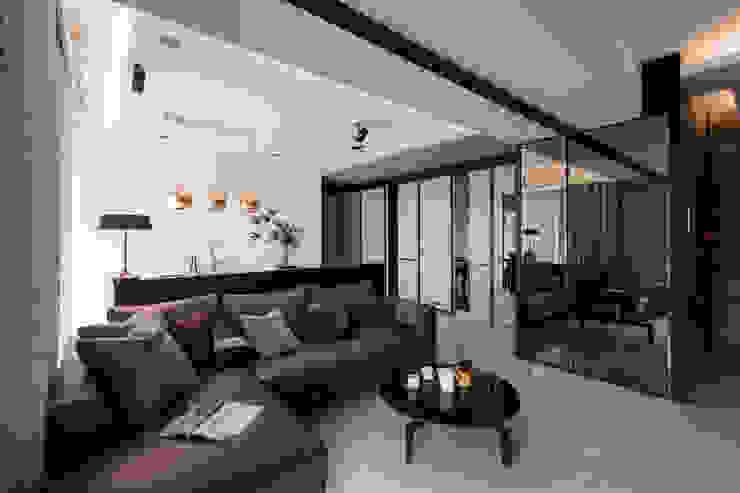 Modern living room by 大丘國際空間設計 ABMIDS Modern
