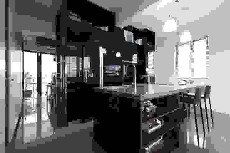 NATURALLY:  廚房 by 璞碩室內裝修設計工程有限公司,
