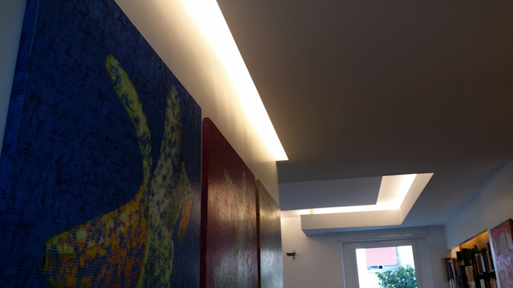 Modern corridor, hallway & stairs by studioQ Modern