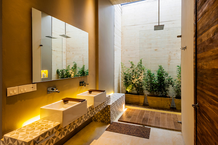 Modern style bathrooms by Arquitectura en Estudio Modern Ceramic