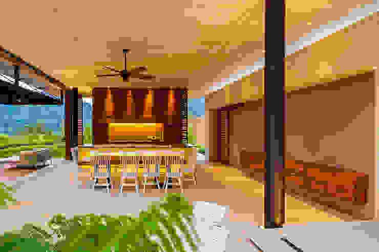 Comedor Arquitectura en Estudio Comedores de estilo moderno Concreto Amarillo