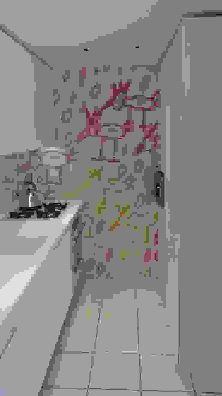 CUCINA PRESSO ABITAZIONE PRIVATA Cucina moderna di GEMANCO DESIGN SRL Moderno Piastrelle